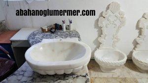 beyaz renkli mermer lavabo
